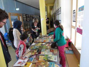 Bücherflohmarkt auf dem Lesefest.