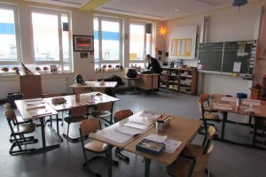 Klassenraum mit Elbblick.